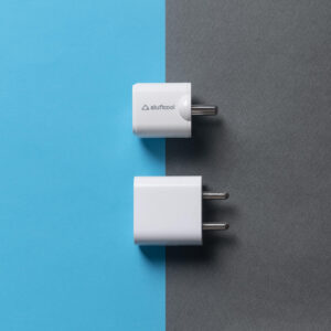 Stuffcool Neutron 20 charger